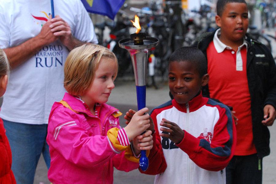 participate-22-Nederland-children_amsterdam2-900x600